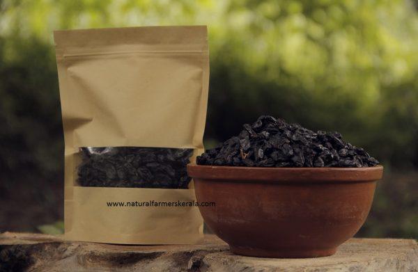 Organic dried grapes. Raisins grown naturally and sun dried